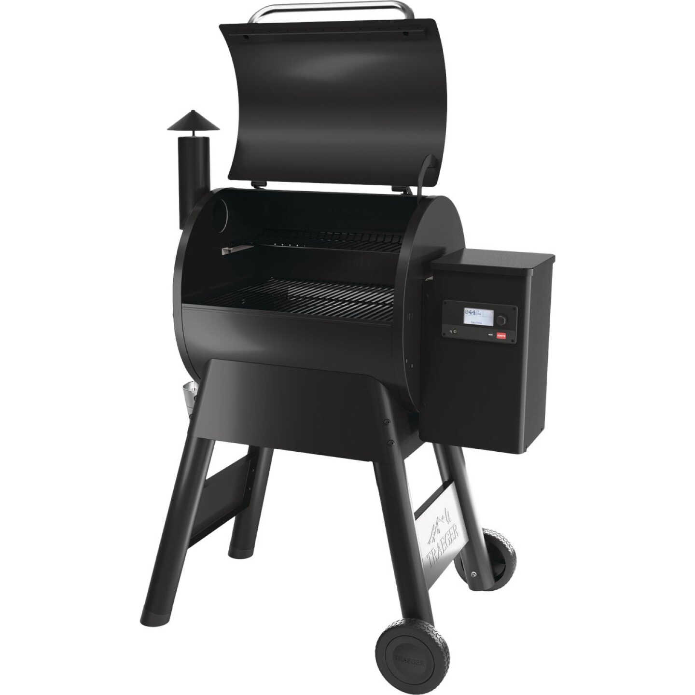Traeger Pro 575 Black 36,000 BTU 572 Sq. In. Wood Pellet Grill Image 5